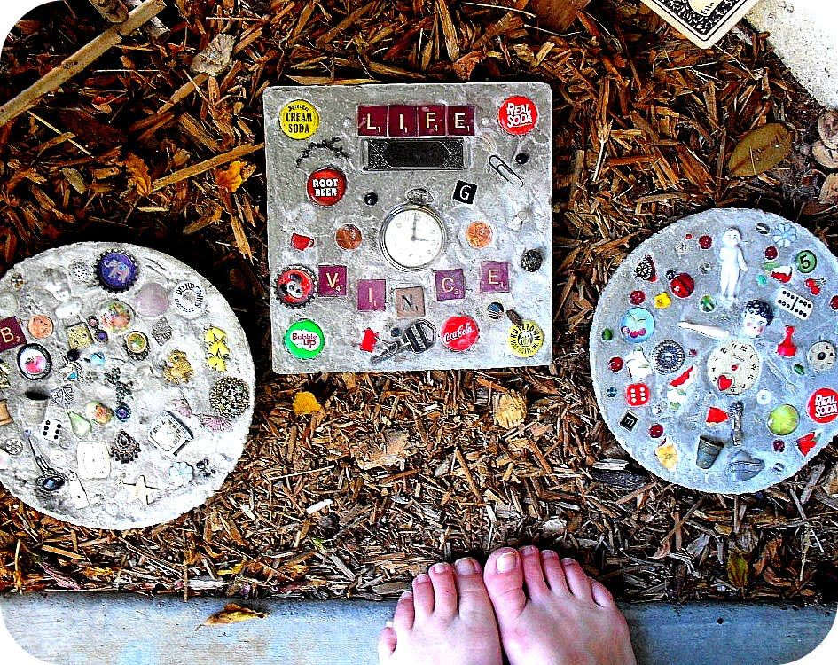30 Beautiful DIY Stepping Stone Ideas to Decorate Your Garden --> Funny Stepping Stones