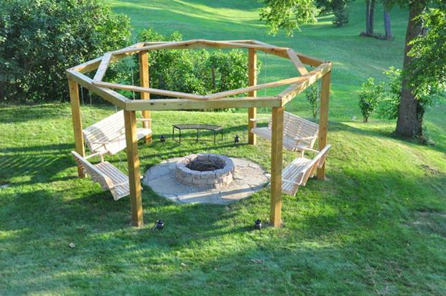Charmant DIY Backyard Fire Pit With Swing Seats Via Bowhunting Forum