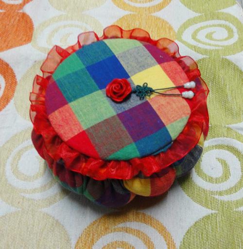 DIY Cute Little Storage Basket with Old CDs 12