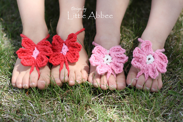60+ Adorable and FREE Crochet Baby Sandals Patterns --> Toe Flower Sandals
