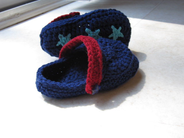 60+ Adorable and FREE Crochet Baby Sandals Patterns --> Crochet Toddler Crocs