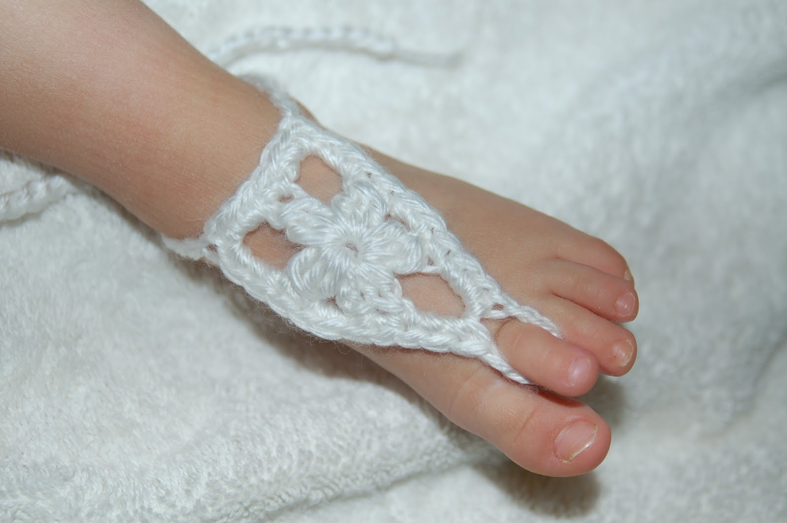 60+ Adorable and FREE Crochet Baby Sandals Patterns --> Baby Barefoot Flower Sandals