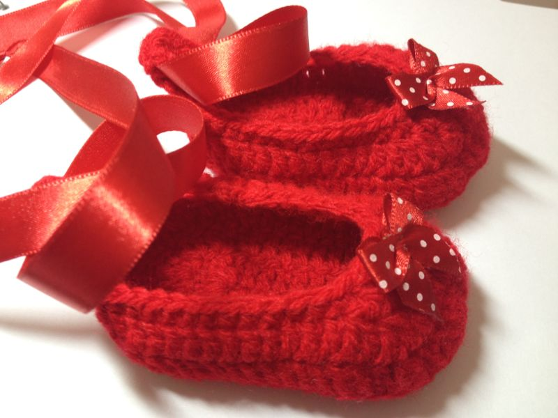 60+ Adorable and FREE Crochet Baby Sandals Patterns --> Ruby Red Crochet Baby Slippers