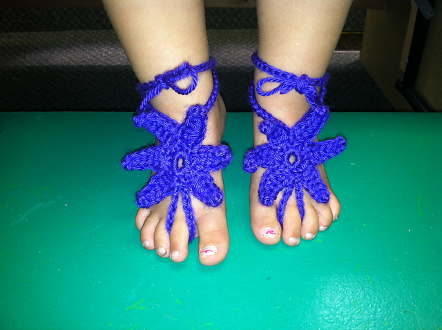 60+ Adorable and FREE Crochet Baby Sandals Patterns --> Baby Starfish Barefoot Sandals