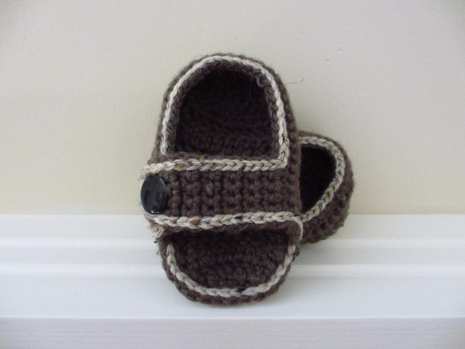 60+ Adorable and FREE Crochet Baby Sandals Patterns --> Comfy Toddler Sandals