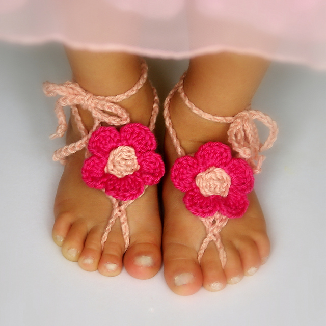 60+ Adorable and FREE Crochet Baby Sandals Patterns --> Barefoot Sandals Baby and Toddler