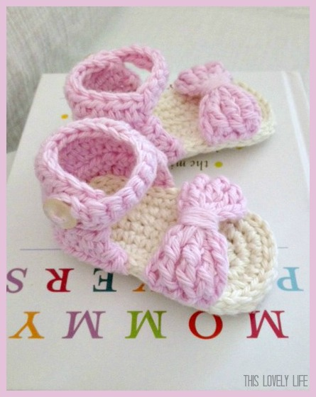 2dc1d34ca 60+ Adorable and FREE Crochet Baby Sandals Patterns --  Bow Front Crochet  Baby