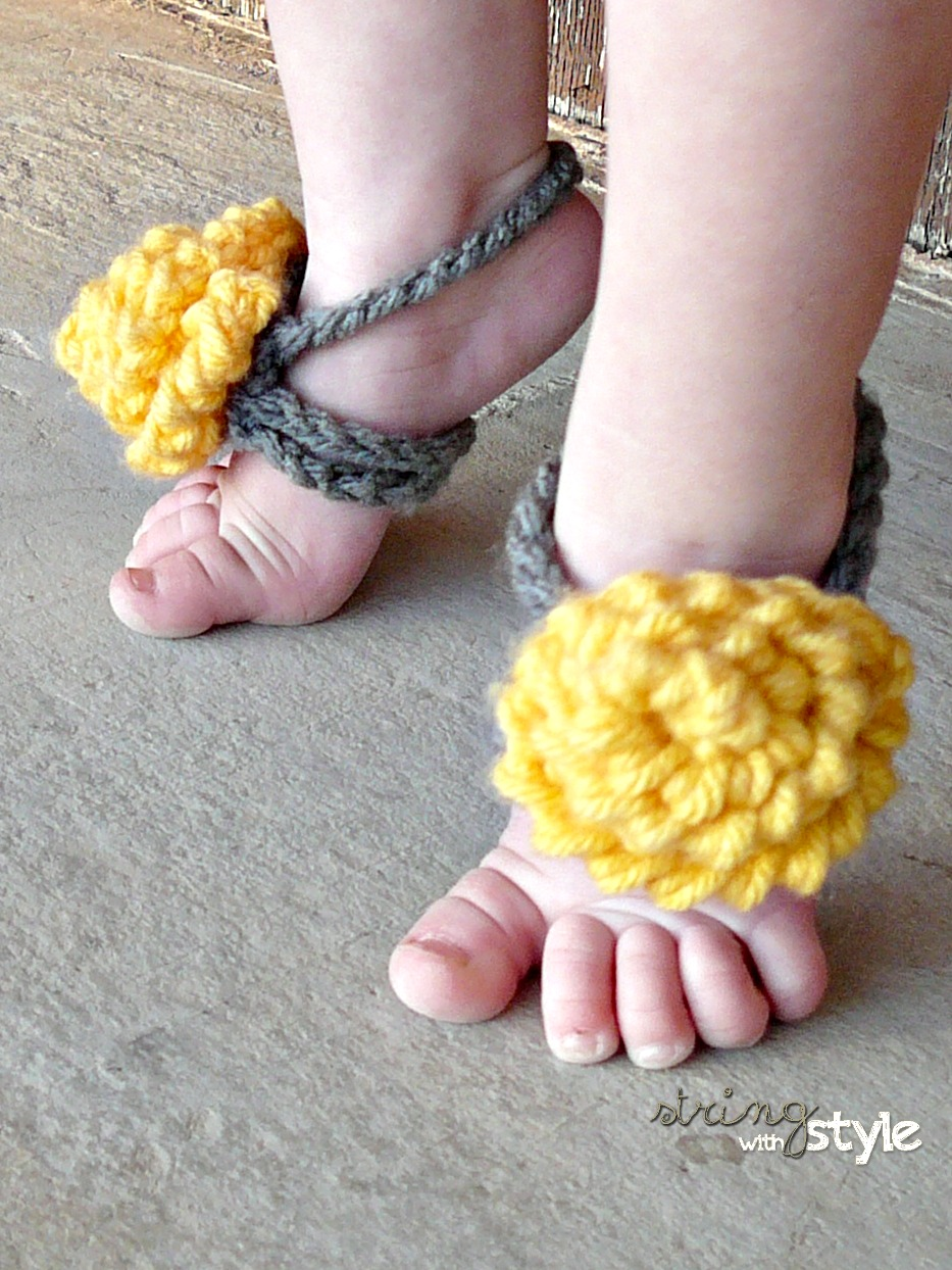 60+ Adorable and FREE Crochet Baby Sandals Patterns --> Pretty Baby Barefoot Sandals