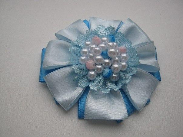 How-to-DIY-Easy-Satin-Ribbon-Flower-Brooch-1.jpg