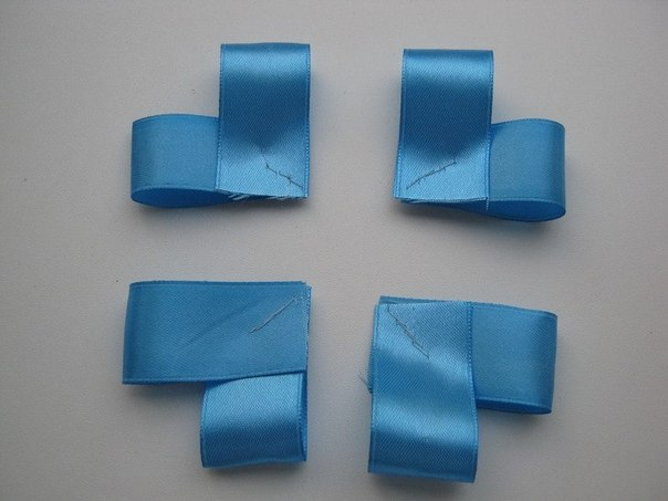 How-to-DIY-Easy-Satin-Ribbon-Flower-Brooch-2.jpg