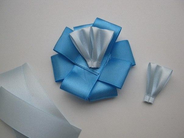 How-to-DIY-Easy-Satin-Ribbon-Flower-Brooch-5.jpg