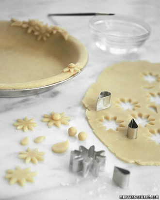 How-to-DIY-Pretty-Decorative-Pie-Crusts-3.jpg