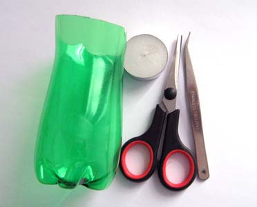 How-to-DIY-Simple-Flower-from-Plastic-Bottles-1.jpg