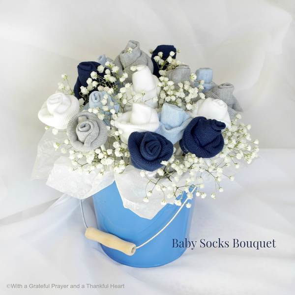 How to Make Baby Socks Flower Bouquet