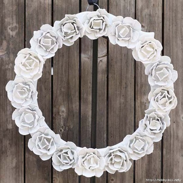 How-to-Make-Pretty-Flower-Mirror-Decoration-from-Egg-Carton-9.jpg