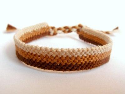 How-to-Weave-DIY-Simple-Bracelet-10.jpg