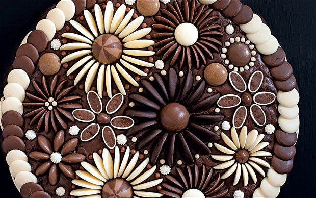 Creative Chocolate Button Cakes DIY Ideas