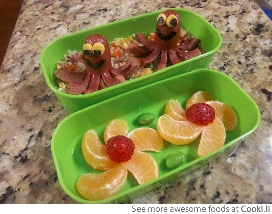 15 Creative DIY Ideas to Serve Hot Dogs --> Hot Dog Octopus