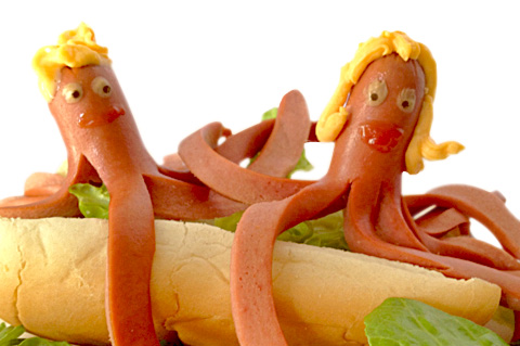 15 Creative DIY Ideas to Serve Hot Dogs --> Octopus Buddy Hot Dog