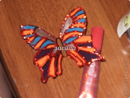 How-to-DIY-Beautiful-Butterflies-from-Plastic-Bottles-12.jpg