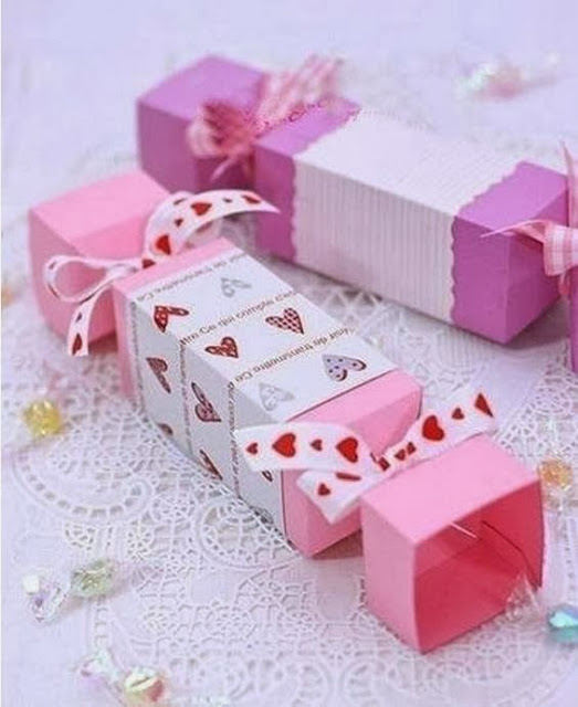 How-to-DIY-Candy-Shaped-Gift-Box-9.jpg