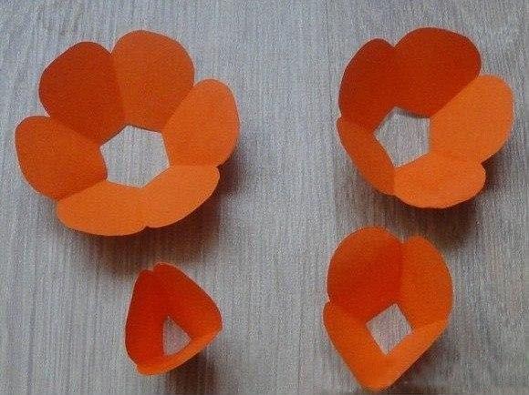 How-to-DIY-Easy-Paper-Flower-4.jpg