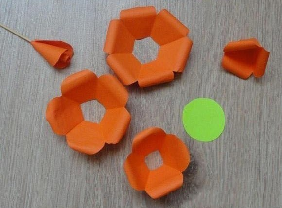 How-to-DIY-Easy-Paper-Flower-5.jpg