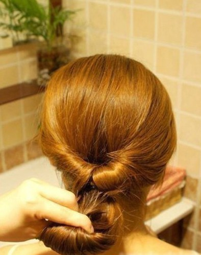 How-to-DIY-Easy-Twisted-Hair-Bun-Hairstyle-4.jpg