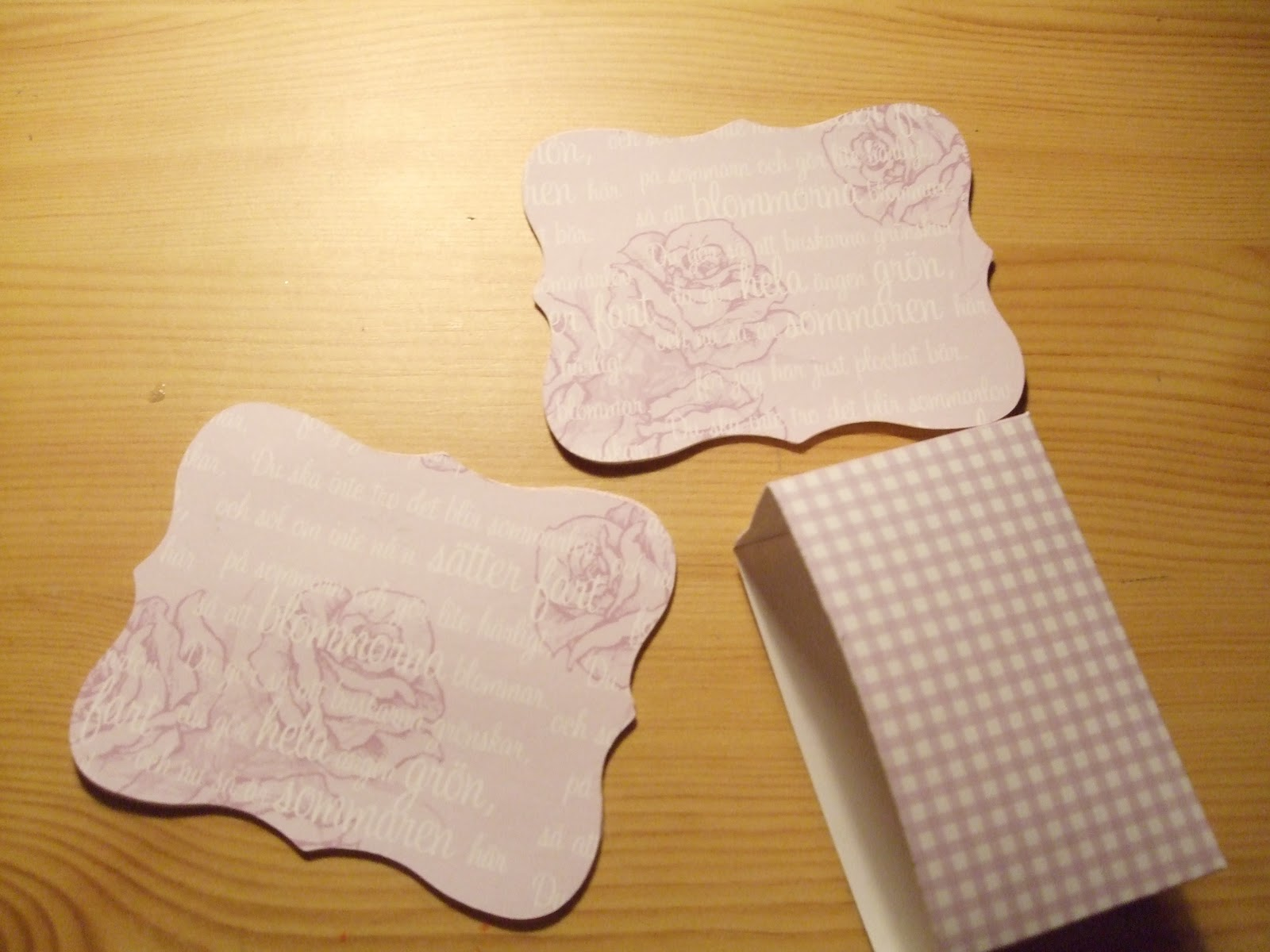 How-to-DIY-Handbag-Style-Paper-Gift-Basket-5.jpg