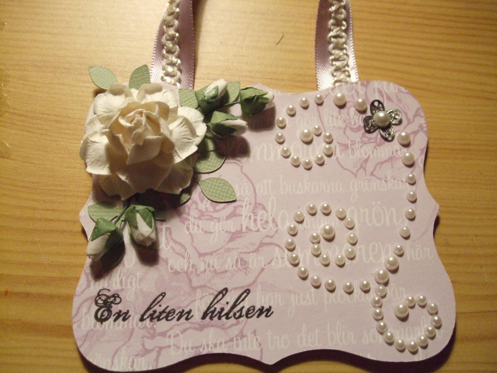 How-to-DIY-Handbag-Style-Paper-Gift-Basket-7.jpg