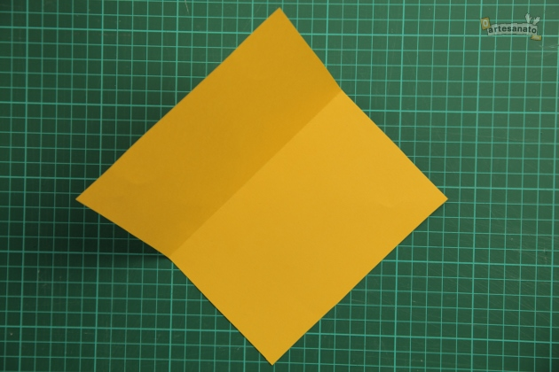 How-to-Make-Creative-3D-Birthday-Card-DIY-Tutorial-2.jpg