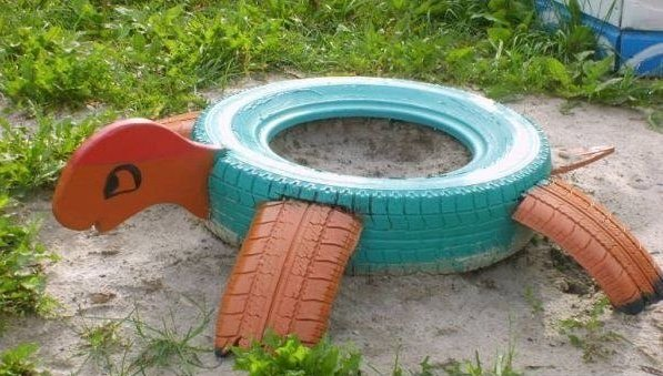40+ Creative DIY Ideas to Repurpose Old Tire into Animal Shaped Garden Decor --> Tire Turtle