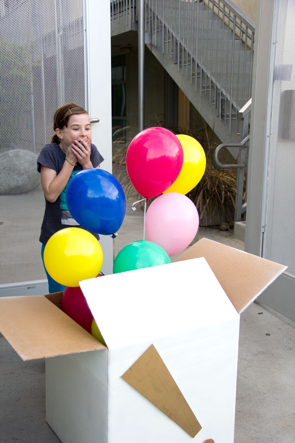 45+ Fun and Creative Ways to Use Balloons --> DIY Balloon Surprise