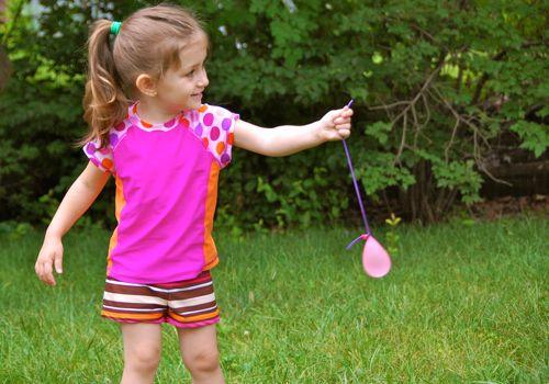 45+ Fun and Creative Ways to Use Balloons --> Water Balloon Yo-Yos