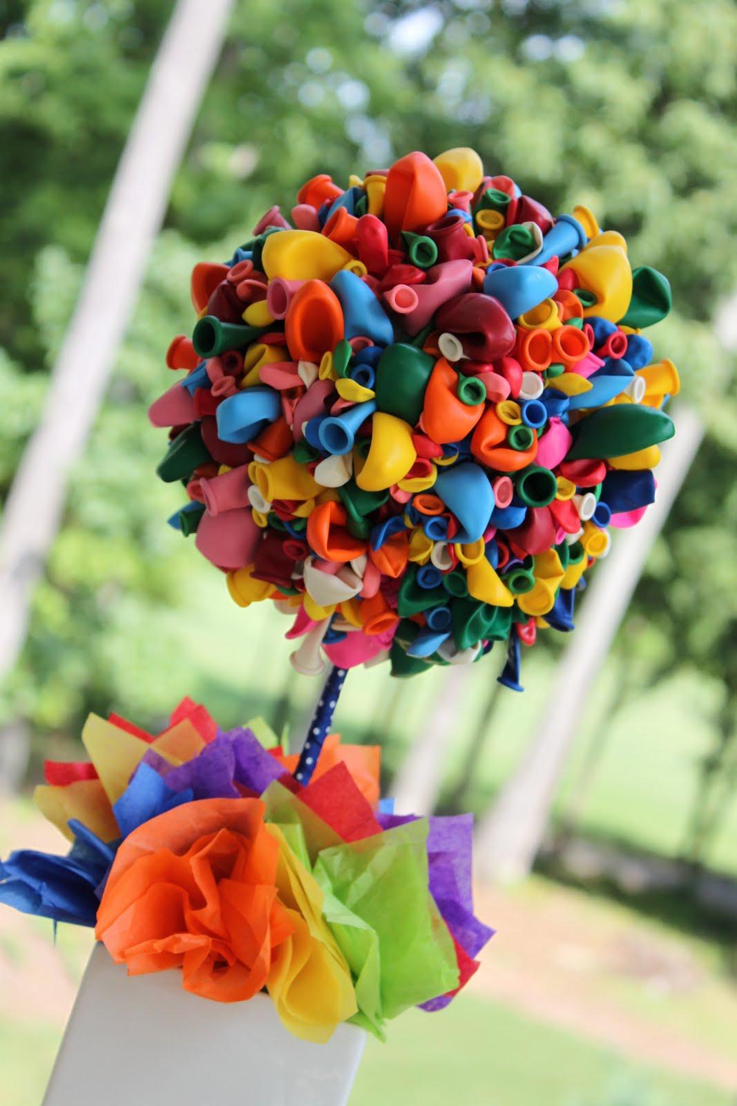 45+ Fun and Creative Ways to Use Balloons --> Balloon Topiary