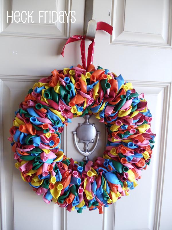 45+ Fun and Creative Ways to Use Balloons --> Birthday Balloon Wreath