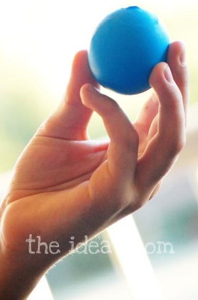 45+ Fun and Creative Ways to Use Balloons --> Make Bouncy Balloon Balls