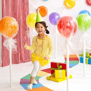 45+ Fun and Creative Ways to Use Balloons --> Balloon Lollipops