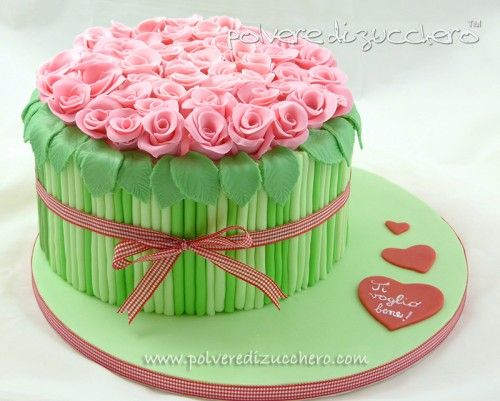 How-to-DIY-Bouquet-of-Roses-Cake-Decoration-14.jpg