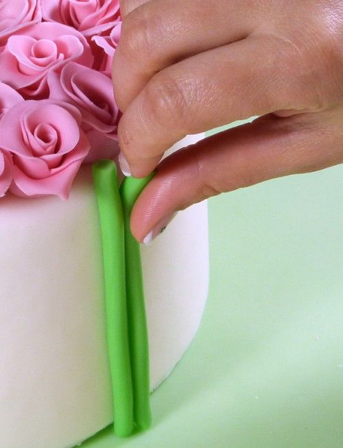 How-to-DIY-Bouquet-of-Roses-Cake-Decoration-6.jpg