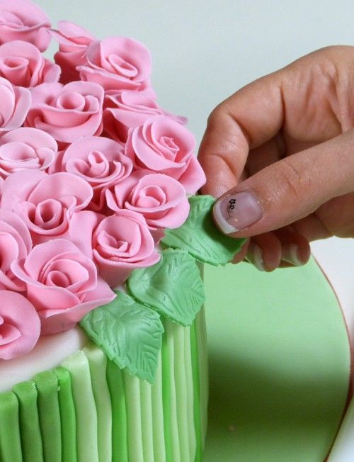 How-to-DIY-Bouquet-of-Roses-Cake-Decoration-9.jpg