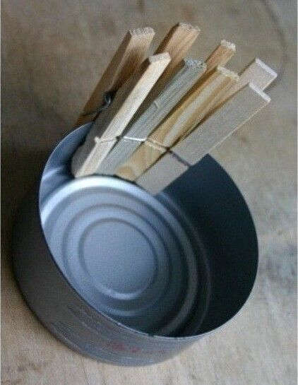 How-to-DIY-Nice-Plant-Pot-with-Clothespins-and-Tin-Can-2.jpg