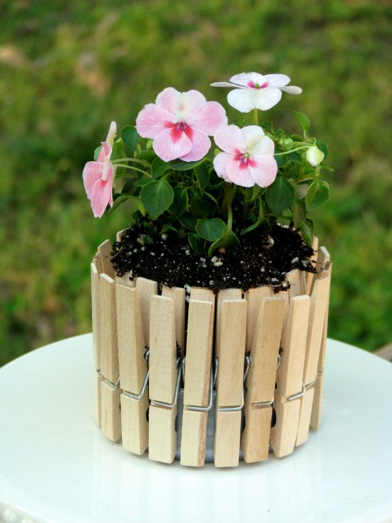 How-to-DIY-Nice-Plant-Pot-with-Clothespins-and-Tin-Can-5.jpg