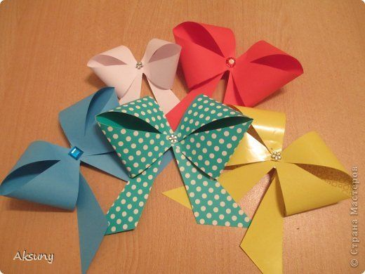How-to-DIY-Pretty-Paper-Bow-for-Gift-Packing-10.jpg
