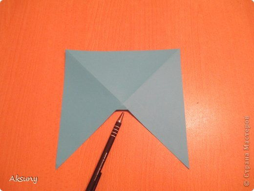 How-to-DIY-Pretty-Paper-Bow-for-Gift-Packing-2.jpg