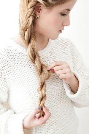 How-to-DIY-Simple-Side-Braid-Hairstyle-10.jpg
