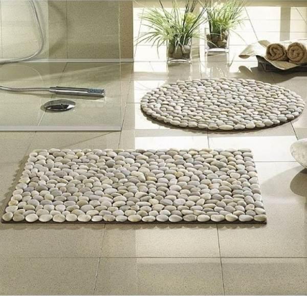 DIY Stone Floor Mat --> River stone bath mat