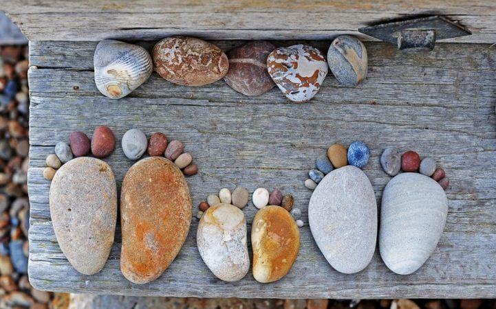 How-to-Make-Creative-Stone-Footprints-DIY-Ideas-3.jpg