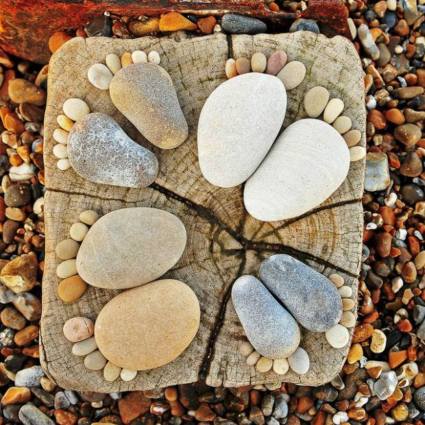 How-to-Make-Creative-Stone-Footprints-DIY-Ideas-5.jpg