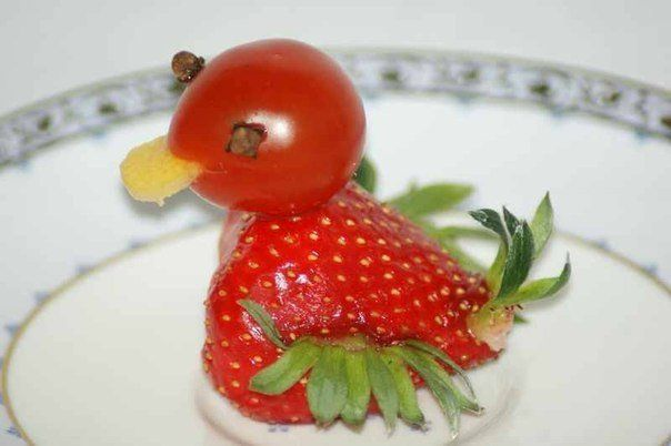 Creative-Animals-Made-of-Fruits-And-Vegetables-10.jpg